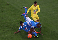 BOGOTA -COLOMBIA, 4-06-2017. Jair Palacios player of Millonarios fights the ball  agaisnt of  John Perez player of Atletico Bucaramanga Action game between  Millonarios  and Atletico Bucaramanga  during match for quarter finals of the Aguila League I 2017 played at Nemesio Camacho El Campin stadium . Photo:VizzorImage / Felipe Caicedo  / Staff