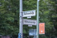 """Verschiedene Berliner Initiativen wollen als Zeichen des Antirassismus und als Stueck der Aufarbeitung des Kolonialerbes Deutschlands die """"Mohrenstrasse"""" im Bezirk Mitte umbenennen. Als Vorschlaege sind dafuer Anton Wilhelm Amo-Strasse, nach dem Schwarzen Philosophen und Rechtswissenschaftler oder Nelson-Mandela-Straße, nach dem Suedafrikanischen Politiker und Friedensnobelpreistraeger Nelson Mandela, im Gespraech.<br /> 14.7.2020, Berlin<br /> Copyright: Christian-Ditsch.de<br /> NUR FUER REDAKTIONELLE ZWECKE! Werbung nur auf Anfrage beim Fotografen. [Inhaltsveraendernde Manipulation des Fotos nur nach ausdruecklicher Genehmigung des Fotografen. Vereinbarungen ueber Abtretung von Persoenlichkeitsrechten/Model Release der abgebildeten Person/Personen liegen nicht vor. NO MODEL RELEASE! Don't publish without copyright Christian-Ditsch.de, Veroeffentlichung nur mit Fotografennennung, sowie gegen Honorar, MwSt. und Beleg. Konto: I N G - D i B a, IBAN DE58500105175400192269, BIC INGDDEFFXXX, Kontakt: post@christian-ditsch.de<br /> Bei der Bearbeitung der Dateiinformationen darf die Urheberkennzeichnung in den EXIF- und  IPTC-Daten nicht entfernt werden, diese sind in digitalen Medien nach §95c UrhG rechtlich geschuetzt. Der Urhebervermerk wird gemaess §13 UrhG verlangt.]"""