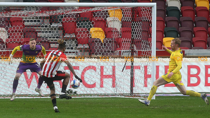 Ivan Toney scores Brentford's second goal during Brentford vs Wycombe Wanderers, Sky Bet EFL Championship Football at the Brentford Community Stadium on 30th January 2021