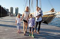 Misc - Fan Pier Family Portrait