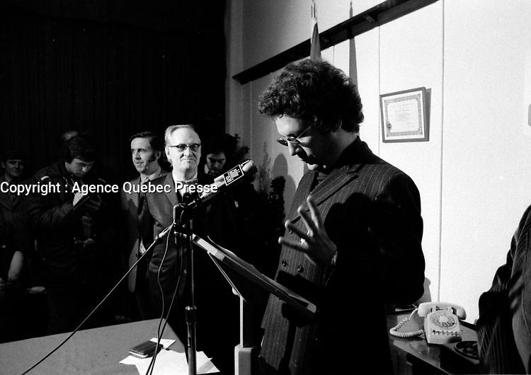 Le cineaste Claude JUTRAS Claude honore par la SSJB, novembre 1972 (date exacte inconnue)<br /> <br /> <br /> <br /> PHOTO :  Alain  Renaud - Agence Quebec Presse