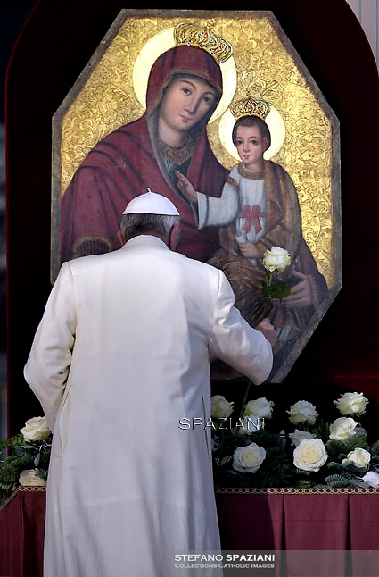 Pope Francis  during his weekly general audience in St. Peter square at the Vatican, Wednesday.December 9, 2015.<br /> The ancient icon of Our Lady of the Gate of Mercy from the greek-catholic sanctuary of the Transfiguration of the Lord in Jaroslaw.