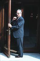Cesare Romiti storico dirigente della Fiat. Per molti anni fu il braccio destro di Gianni Agnelli. Dopo l'uscita dalla Fiat, guidò in qualità di presidente il gruppo Rcs dal 1998 al 2004. Venezia, 12 settembre 1998. Photo by Leonardo Cendamo/Gettyimages