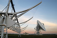 """- CNR (Consiglio Nazionale delle Ricerche) radiotelescopio """"Croce del Nord"""" a Medicina (Bologna), antenna parabolica e antenna di transito; il telescopio fa parte del progetto internazionale SETI (Ricerca di Intelligenza Extraterrestre)<br /> <br /> - CNR (National Research Council), radio telescope """" Cross of the North """" at Medicina ( Bologna, Italy ), parabolic antenna and transit antenna; the telescope is part of the international project SETI (Search for Extraterrestrial Intelligence)"""