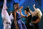BAL.EXE<br /> <br /> Chorégraphie : Anne Nguyen<br /> Avec Danseurs : Sonia Bel Hadj Brahim, William Delahaye, Pascal Luce, Claire Moineau, Blondy Mota-Kisoka, Sacha Négrevergne, Jessica Noita, Rebecca Rheny <br /> Musiciens : Juliette Adam - clarinette, Alexandre Pascal - violon, Boris Blanco - violon, Raphaël Jardin - alto, Alexis Derouin – violoncelle.<br /> Création lumière : Ydir Acef<br /> Création vidéo : Claudio Cavallari<br /> Avec des extraits du film « Paroles, paroles » de Ron Dyens (Sacrebleu Productions, 2002) <br /> Compagnie : Compagnie par Terre<br /> Lieu : Théâtre Debussy<br /> Ville : Maisons-Alfort<br /> Date : 22/11/2015