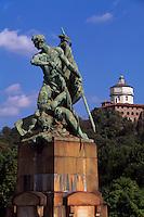Ponte Umberto I und Kirche Santa Maria del Monte in Turin (Torino), Piemont, Italien