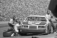 Kyle Petty 7 Ford Thunderbird pits pit stop Daytona 500 at Daytona International Speedway in Daytona Beach, FL in February 1986. (Photo by Brian Cleary/www.bcpix.com) Daytona 500, Daytona International Speedway, Daytona Beach, FL, February 16, 1986.  (Photo by Brian Cleary/www.bcpix.com)