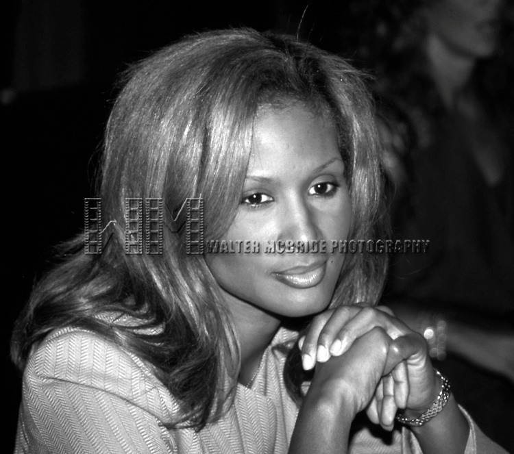 Beverly Johnson attends the Friars Roast for Whoopi Goldberg at the Hilton Hotel on October 8, 1993 in New York City.