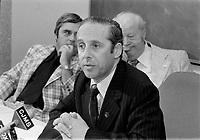le ministre Victor Goldbloom en conference de presse, le 21 juillet 1976, suite aux jeux olympiques.