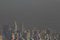 SAO PAULO, SP, 05-05-2014, BAIXA UMIDADE. A baixa umidade e a poluição dificultam a visibilidade em São Paulo, nessa segunda-feira (5). Foto feita a partir de predio na região da Mooca.         Luiz Guarnieri/ Brazil Photo Press.