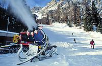 - Cortina d'Ampezzo, ski track, gun for the artificial snow ....- Cortina d'Ampezzo, pista da sci, cannone per la neve artificiale