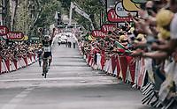 Edvald Boasson Hagen (NOR/Dimension Data) solo's to the win!<br /> <br /> 104th Tour de France 2017<br /> Stage 19 - Embrun › Salon-de-Provence (220km)