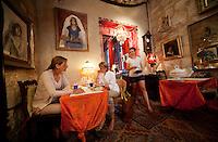 Salon de thé [tearoom], L'Heure Bleue, Montpellier, France, 13 July 2012