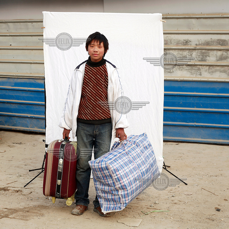 Fifteen-year-old Xue Meng has just arrived in Beijing and is about to start working on the Olympic venues. Migrant workers have come from all over China to Beijing to assist in the economic and construction boom in the run-up to the 2008 Olympic Games.