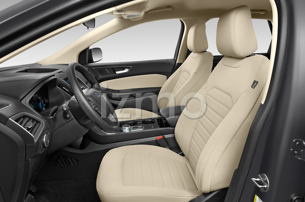Front seat view of 2020 Ford Edge SE 5 Door SUV Front Seat  car photos