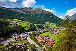 Oesterreich, Tirol, Oetztal - ein Seitental des Inntals - Soelden: Ortsansicht mit Oetztaler Ache vor den Oetztaler Alpen | Austria, Tyrol, Oetz Valley, village Soelden with riiver Oetztaler Ache and the Oetztal Alps