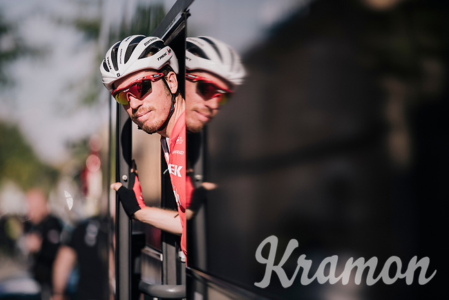 Boy van Poppel (NED/Trek-Segafredo) peeping out of the teambus ahead of the race<br /> <br /> 27th Challenge Ciclista Mallorca 2018<br /> Trofeo Campos-Porreres-Felanitx-Ses Salines: 176km