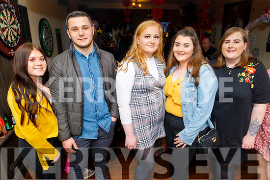 Enjoying the evening in the Sliabh Mish on Saturday.<br /> L to r: Sarah O'Brien, Dan Popovsky, Jennifer White, Sharon O'Connor, Rebecca McGovern and Jessica Healy.