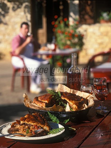 Europe/France/Midi-Pyrénées/46/Lot/Nadaillac-de-Rouge: Pastis quercynois au pigeon et salsifi