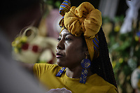 CALI - COLOMBIA. 16-08-2019: Mujeres afro exhiben sus moños y peinados durante el tercer día del XXIII Festival de Música del Pacífico Petronio Alvarez 2019 el festival cultural afro más importante de Latinoamérica y se lleva acabo entre el 14 y el 19 de agosto de 2019 en la ciudad de Cali. / Afro descendant women exhibit their bows and hairstyles during the XXIII Pacific Music Festival Petronio Alvarez 2019 that is the most important afro descendant cultural festival of Latin America and takes place between August 14 and 19, 2019, in Cali city. Photo: VizzorImage/ Gabriel Aponte / Staff