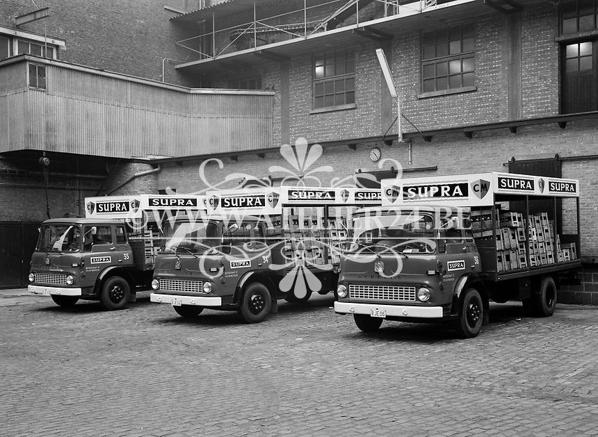 Vrachtwagen Supra 1965.
