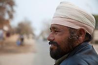 Bharatpur, Rajasthan, India.  Siru Singh, a Sikh Rickshaw Driver.