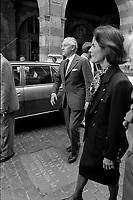 28 Mai 1985. Vue de Jacques Chaban-Delmas dans la cour du Capitole.<br /> <br /> Jacques Chaban-Delmas, souvent surnommé « Chaban », né Jacques Delmasa le 7 mars 1915 à Paris 13e et mort le 10 novembre 2000 à Paris 7e, est un résistant, général de brigade et homme d'État français.<br /> <br /> Considéré comme l'un des « barons du gaullisme », il est notamment maire de Bordeaux de 1947 à 1995, ministre sous la IVe République et président de l'Assemblée nationale à trois reprises entre 1958 et 1988.<br /> <br /> Premier ministre de 1969 à 1972, sous la présidence de Georges Pompidou,