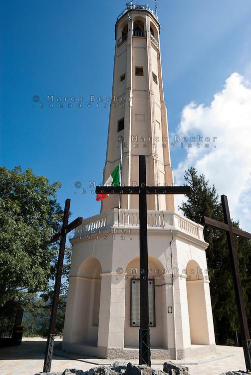 Il Faro Voltiano alla località di San Maurizio, Brunate (Como), eretto nel 1927 in occasione del centenario della morte di Alessandro Volta --- The Volta Lighthouse in the locality of San Maurizio, Brunate (Como), built in 1927 on the occasion of the centenary of Alessandro Volta