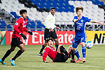 Muangthong Defender Lee Ho (C) fights for the ball with Ulsan Hyundai Midfielder Lee Yeongjae (R) during the AFC Champions League 2017 Group E match between  Ulsan Hyundai FC (KOR) vs Muangthong United (THA) at the Ulsan Munsu Football Stadium on 14 March 2017 in Ulsan, South Korea. Photo by Chung Yan Man / Power Sport Images
