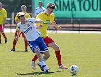 KFC Lichtervelde - KVC Ardooie : duel tussen Jens Van Daele (links) en Sander De Deygere (r)<br /> Foto VDB / Bart Vandenbroucke