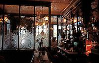 London: The Salisbury--Interior.