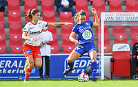 Gent's Elise Meijerinck (23)  pictured in a fight for the ball with Essevee's Amber De Priester during a female soccer game between Zulte Waregem and the KAA Gent Ladies on the fourth matchday of the 2020 - 2021 season of Belgian Scooore Womens Super League , saturday 10 October 2020  in Waregem , Belgium . PHOTO SPORTPIX.BE | SPP | DAVID CATRY
