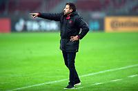10th June 2021; Beira-Rio Stadium, Porto Alegre, Brazil; Copa do Brazil, Internacional versus Vitoria; Vitória manager Ramon Menezes sends in instructions to his players