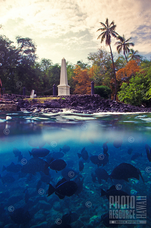 Kealakekua bay and the Captain Cook monument, Big Island