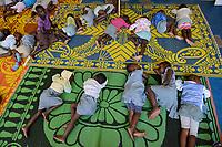 TOGO, Lome, children of market women sleeping in Kindergarten of center Dzidudu / Zentrum DZIDUDU der Organisation BNCE (Bureau National Catholique de l'Enfance) zur Betreuung von Lastentraegerinnen und Marktfrauen und deren Kindern, KIndergarten, Kinder schlafen waehrend der Mittagszeit