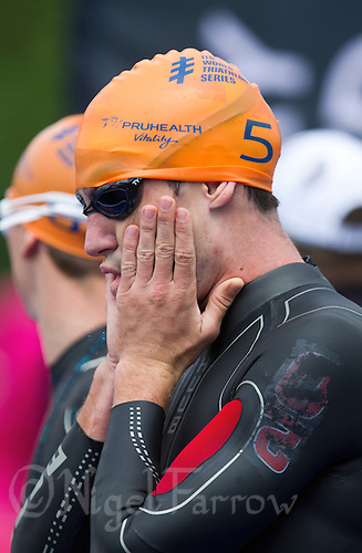 31 MAY 2014 - LONDON, GBR - Richard Murray (RSA) of South Africa waits for the start of the men's 2014 ITU World Triathlon Series round in Hyde Park, London, Great Britain (PHOTO COPYRIGHT © 2014 NIGEL FARROW, ALL RIGHTS RESERVED)