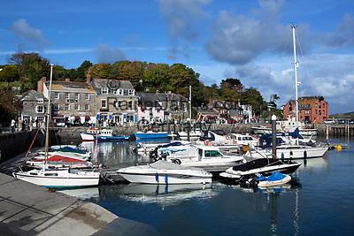 Grossbritannien, England, Cornwall, Padstow: Fischerdorf mit kleinem Yachthafen   Great Britain, England, Cornwall, Padstow: Fishing Harbour and marina