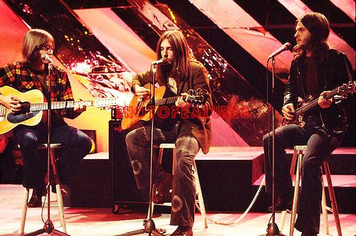 America 1973 Gerry Beckley, Dewey Bunnell and Dan Peek on Top Of The Pops.