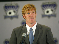 Alexi Lalas speaks to members of the press during a news conference to announce his appointment of President and General Manager of the MLS San Jose Earthquakes, in San Jose, Calif., Tuesday, Jan 27, 2004. (Photo by John Todd/International Sports Images)