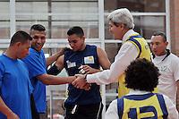 BOGOTÁ - COLOMBIA, 12-08-2013 John kerry Secretario de Estado de Estados Unidos durante su visita a uniformados de la Selección Colombia de Voleibol con limitaciones físicas hoy 12 de agosto de 2013 en el centro de alto rendimiento en la ciudad de Bogotá. Se remango una de las botas de su pantalón y participo en su entrenamiento como señal de apoyo y solidaridad./ John Kerry Secretary of State of the United States during his visit to disable soldiers who make the colombian volleyball team today August 12 at Centro de Alto Rendimiento in Bogota city. Kerry rolled up the sleeve of his pants and participated  in their training as a sign of support and solidarity. Photo: VizzorImage / Mauricio Orjuela / Min defensa /HANDOUT PICTURE; THIS PICURE IS DISTRIBUITED AS A SERVICE TO OUR CLIENTS./ MANDATORY USE EDITORIAL ONLY/