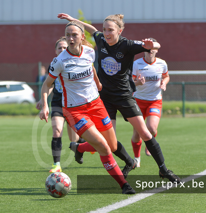 Pauline Windels (5) of Zulte Waregem and Marie Bougard (10) of Woluwe  pictured during a female soccer game between SV Zulte - Waregem and White Star Woluwe on the 10 th and last matchday in play off 2 of the 2020 - 2021 season of Belgian Scooore Womens Super League , saturday 29 of May 2021  in Zulte , Belgium . PHOTO SPORTPIX.BE | SPP | DIRK VUYLSTEKE