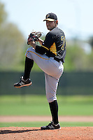 Pittsburgh Pirates pitcher Felipe Gonzalez (71) during a minor league spring training game against the Philadelphia Phillies on March 18, 2014 at the Carpenter Complex in Clearwater, Florida.  (Mike Janes/Four Seam Images)