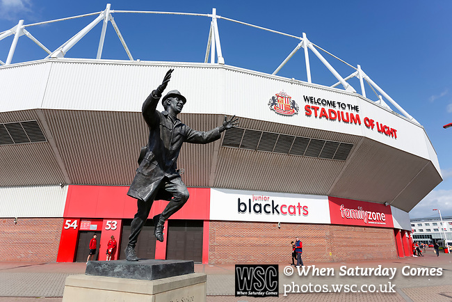 The statue of Bob Stokoe outside The Stadium of Light. Sunderland 2 Portsmouth 1, 17/08/2019. Stadium of Light, League One. Photo by Paul Thompson.