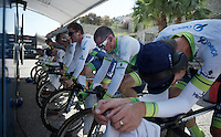 Team Orica-GreenEDGE warming up as favorites before the race<br /> Simon Gerrans (AUS/Orica-GreenEDGE) already in pink shades<br /> <br /> startzone of stage 1: San Lorenzo Al Mare - San remo (TTT/17.6km)