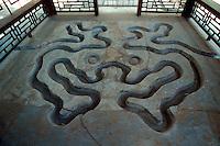 China, Peking, Bach der tanzenden Becher im Tan Zhe Si-Tempel