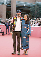 Il cantante Lorenzo Cherubini Jovanotti posa con la moglie Francesca Valiani sul red carpet del Festival Internazionale del Film di Roma, 16 ottobre 2016.<br />