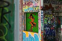 Sprayer und Graffitikuenstler konnten vom 9. bis 12. Mai 2013 auf dem Gelaende der ehemaligen Abhoerstation der US-Armee auf dem Teufelsberg in Berlin ganz legal ihre Ideen spruehen.<br />9.5.2013, Berlin<br />Copyright: Christian-Ditsch.de<br />Die Bilder sind auf Anfrage auch hochaufloesend in druckbarer Qualitaet erhaeltlich.<br />[Inhaltsveraendernde Manipulation des Fotos nur nach ausdruecklicher Genehmigung des Fotografen. Vereinbarungen ueber Abtretung von Persoenlichkeitsrechten/Model Release der abgebildeten Person/Personen liegen nicht vor. NO MODEL RELEASE! Don't publish without copyright Christian-Ditsch.de, Veroeffentlichung nur mit Fotografennennung, sowie gegen Honorar, MwSt. und Beleg. Konto:, I N G - D i B a, IBAN DE58500105175400192269, BIC INGDDEFFXXX, Kontakt: post@christian-ditsch.de<br />Urhebervermerk wird gemaess Paragraph 13 UHG verlangt.]