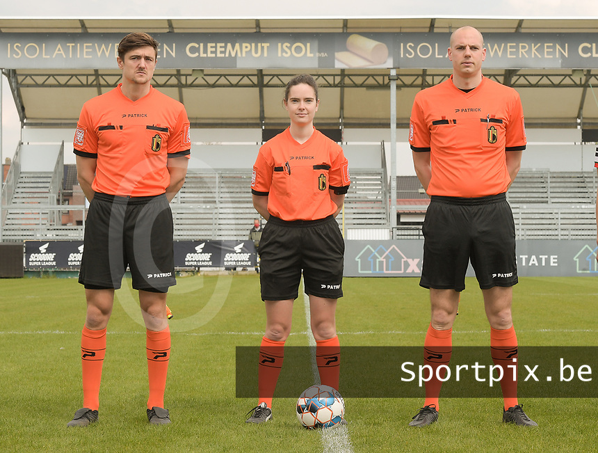 referee Irmgard Van Meirvenne with assistant referees Maxime Borremans (R) and Gianni Seeldraeyers (L) pictured during a female soccer game between Eendracht Aalst and SV Zulte Waregem on the fourth matchday of play off 2 of the 2020 - 2021 season of Belgian Scooore Womens Super League , Saturday 1 st of May 2021  in Aalst , Belgium . PHOTO SPORTPIX.BE | SPP | DIRK VUYLSTEKE