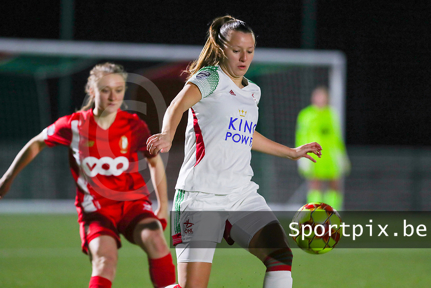 Hannah Eurlings (9 OHL) with the ball during a female soccer game between Oud Heverlee Leuven and Standard Femina De Liege on the 10th matchday of the 2020 - 2021 season of Belgian Womens Super League , sunday 20 th of December 2020  in Heverlee , Belgium . PHOTO SPORTPIX.BE | SPP | SEVIL OKTEM