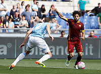 Calcio, Serie A: Lazio vs Roma. Roma, stadio Olimpico, 3 aprile 2016.<br /> Roma's Mohamed Salah, right, is challenged by Lazio's Wesley Hoedt during the Italian Serie A football match between Lazio and Roma at Rome's Olympic stadium, 3 April 2016.<br /> UPDATE IMAGES PRESS/Isabella Bonotto